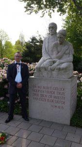 Danny Komduur organiseert de jaarlijkse herdenkingsbijeenkomst op de Jan Gijzenkade