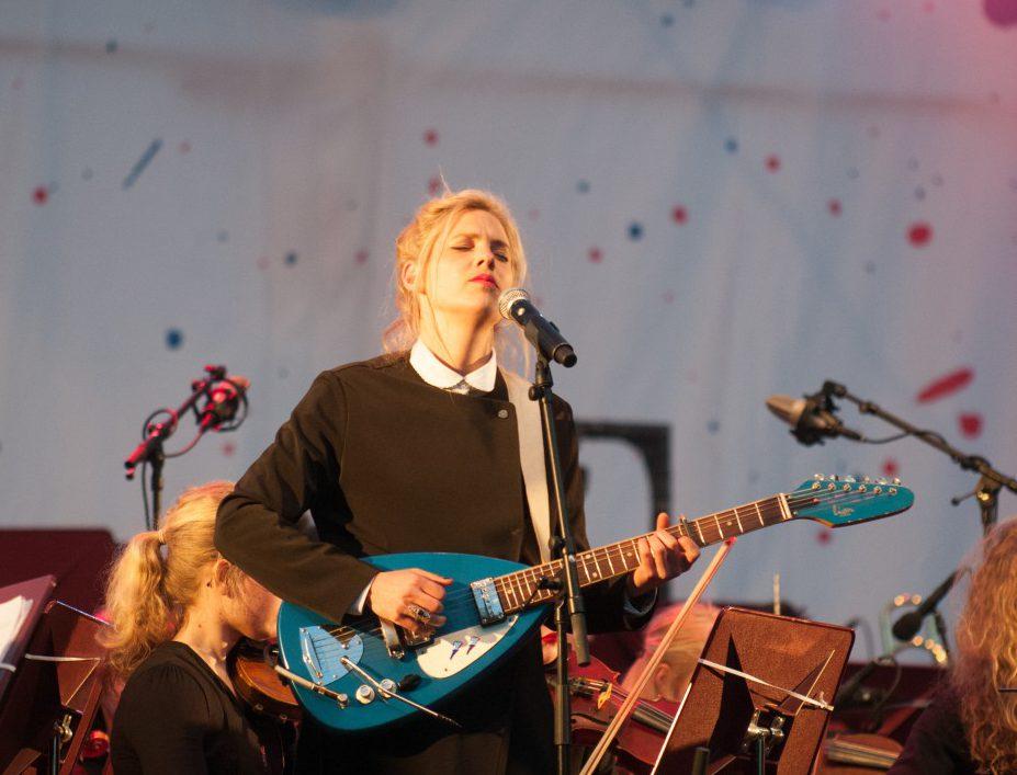 Sue the Night is de nieuwe huisband van DWDD
