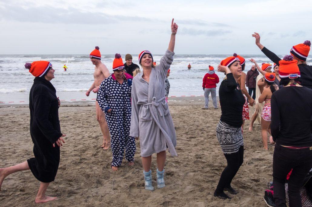 Zandvoortse nieuwjaarsduik 'opwarmer' naar Bevrijdingspop 2018