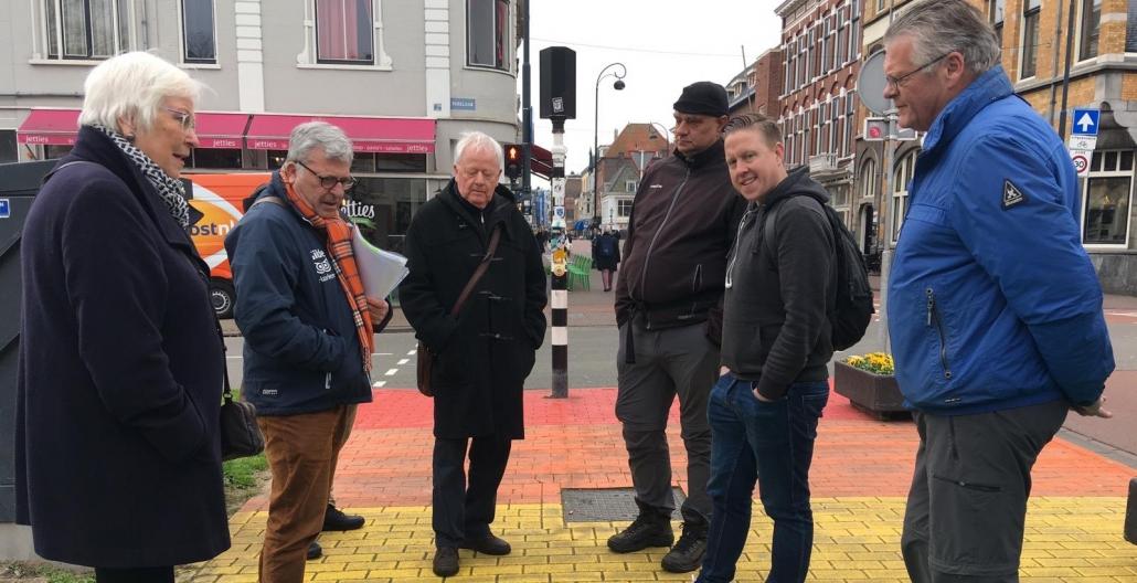 Waterkoude Bevrijdingswandeling langs het Haarlem van WOII